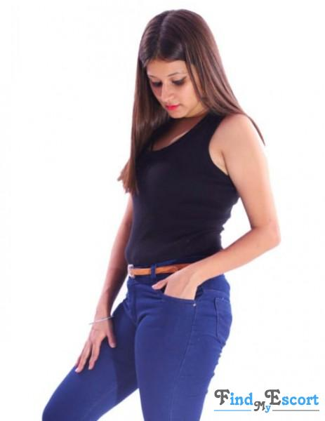 PRIYANSHI INDEPENDENT photo album at FindMyEscort